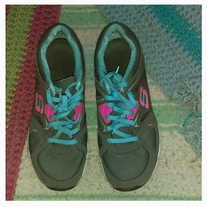 Sketchers athletic walking shoes size 10